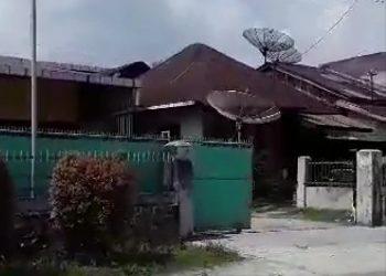 Kilang Kayu Yang Sekaligus Pabrik Ember Milik Akit di Jalan Pematang. Kelurahan Simalungun Yang Masih Tetap Beroperasi. Sabtu (04/04/2020)